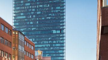 Kontorsbyggnad i glas